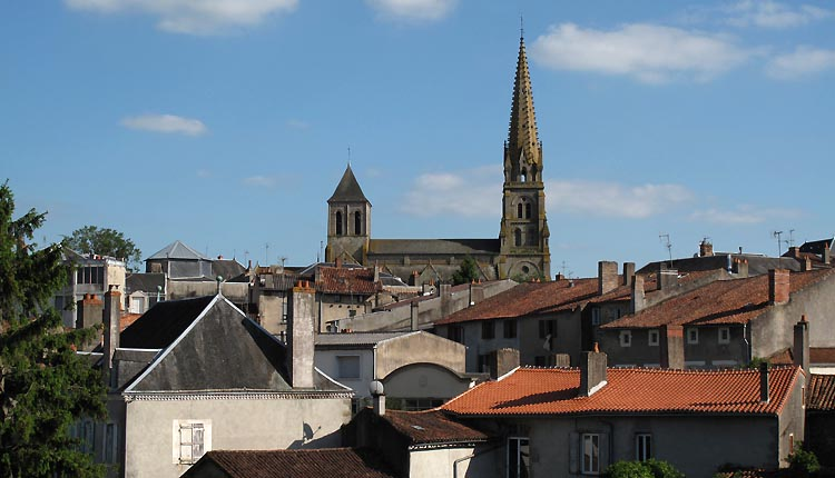 Vieux Parthenay : Eglise Saint Laurent (©Huort Christophe)