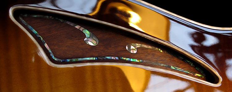 The Liberty model | Sound-hole abalone inlay