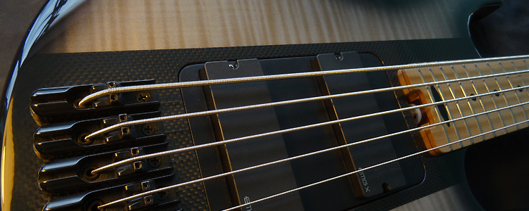 Session Bass | The modular 5 strings bass with carbon style core